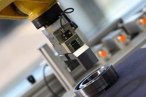 写真:精密機器産業用ロボットシステムのイメージ写真